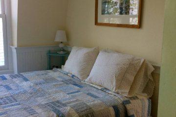 Daisy Room - Bed