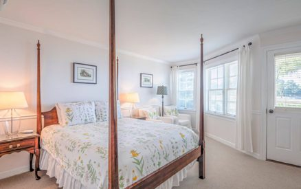 Kemp House | Unit 412 | Bed