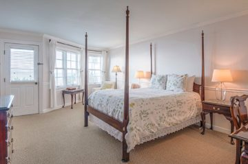 Kemp House | Unit 414 | Bed