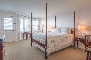 Kemp House | Unit 414 | Bed