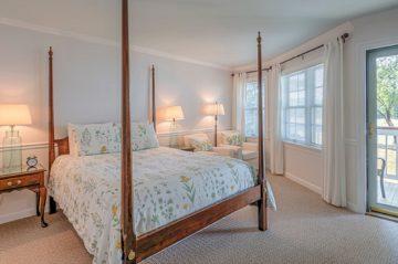 Kemp House | Unit 422 | Bed