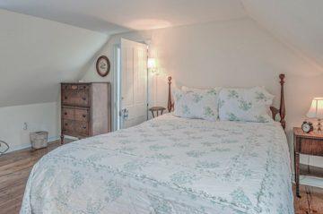 Lookout Room | Bed