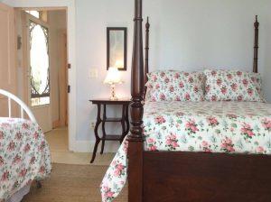 Niagara Room bed view