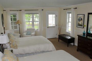Room 423 - Beds