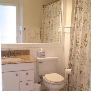 Room 424 - Bath
