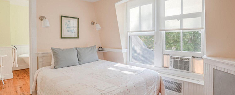Rose Room | Bed